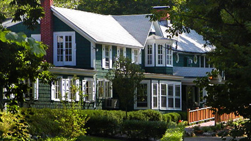 <br /> Fox Creek Inn - Chittenden