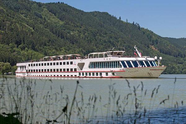 Carissima Boat Danube