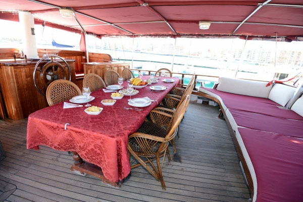 Dining on Sundial Boat