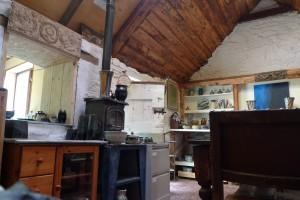 hidden pottery shop for tea