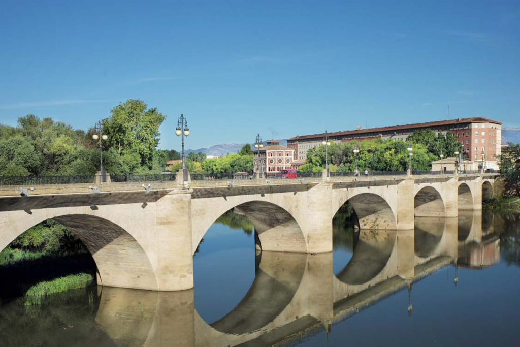 Camino de santiago travel guide blog macs adventure - Train biarritz to saint jean pied de port ...