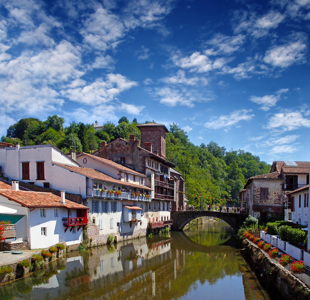 Le puy travel guide blog macs adventure - Train biarritz to saint jean pied de port ...