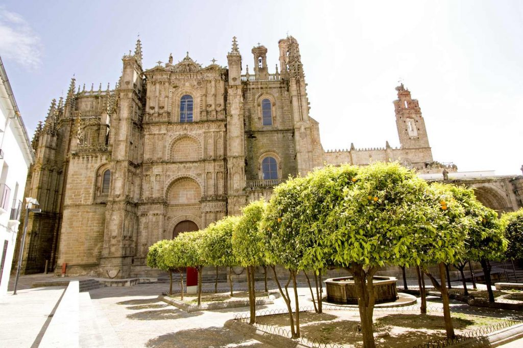Plasencia Cathedral on the Land of the Conquistadors: Cycling the Paradors self-guided cycling tour.
