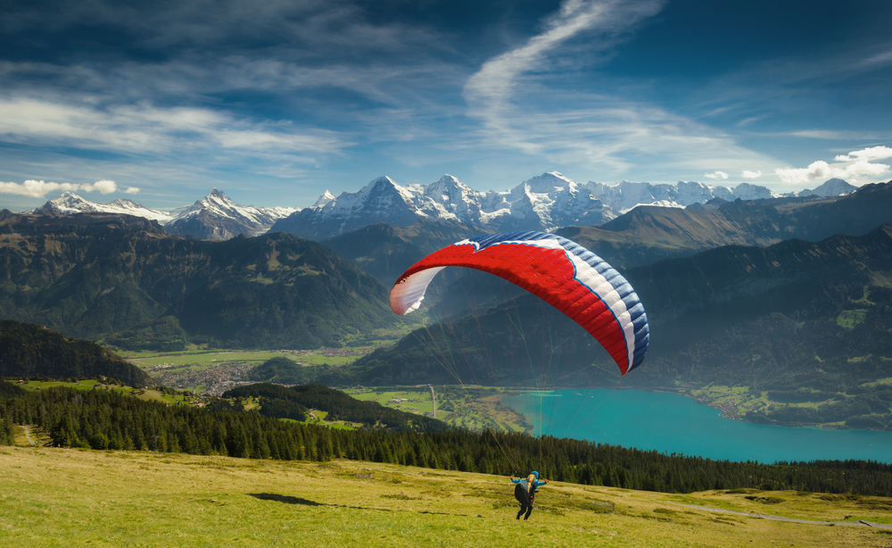 Paragliding in the Bernese Oberland