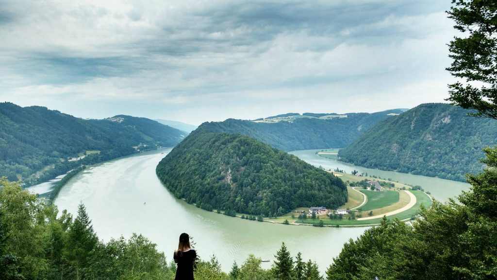 Schlogen Blick viewpoint, a huge river bend