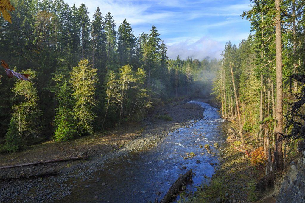 river runs through washington state