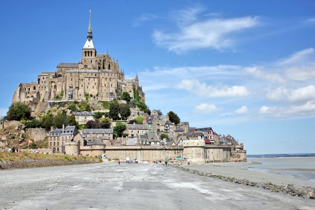 adventure of the week cycling st malo to mont st michel macs adventureblog