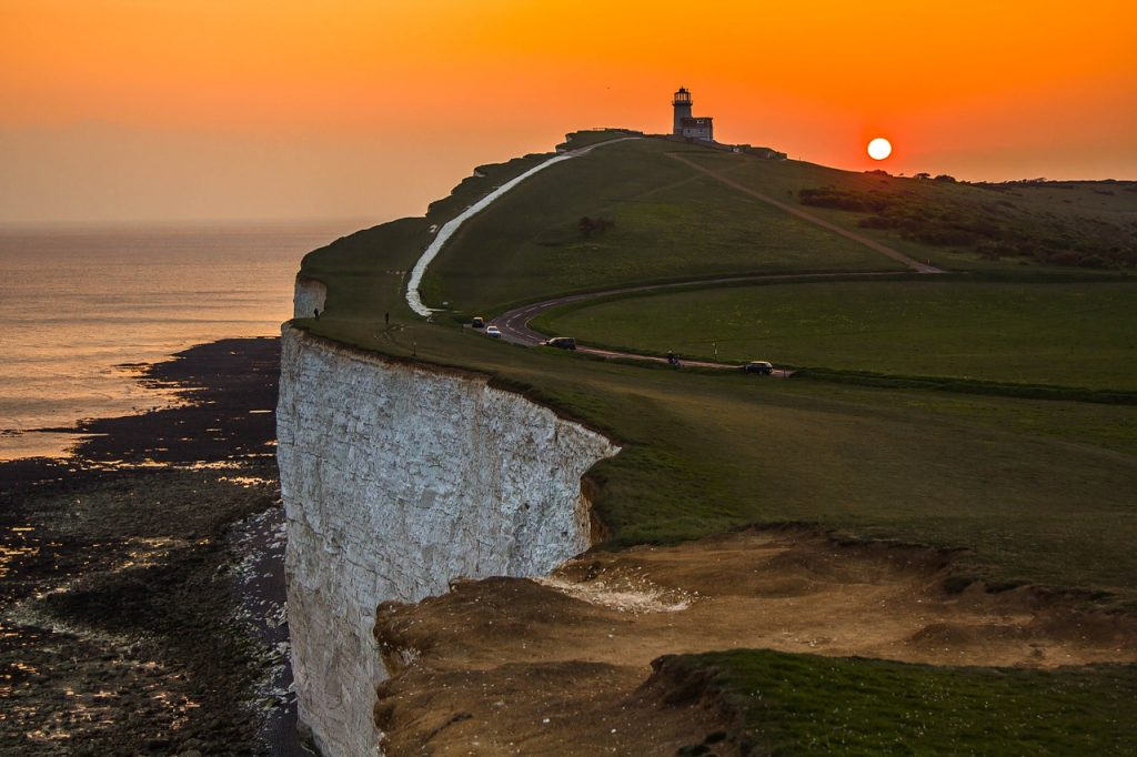 12 Iconic Places to See in England