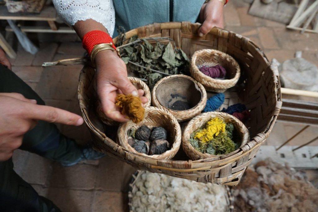 Ecuador crafts