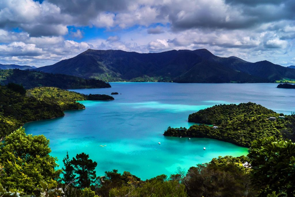 Turquoise seas viewed from the Queen Charlotte TRack